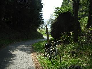 旧中山道から諏訪湖を見下ろす