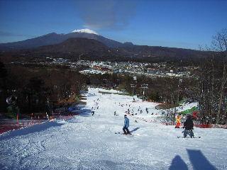 滑走コースと浅間山